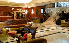 Radisson Blu Edwardian Heathrow Lobby