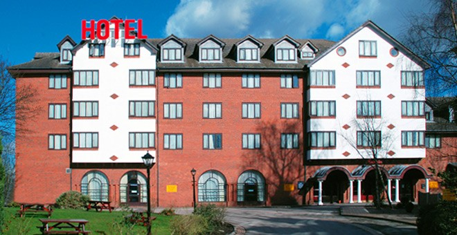 Manchester Airport Hotels with Parking