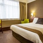 Cresta Court Hotel Manchester Airport - Bedroom 2